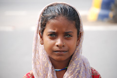 India - People (cpcmollet) Tags: portrait people india verde green eye beauty face children eyes asia gente retrato candid cara agra gent retrat