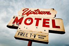uptown motel (Sam Scholes) Tags: old red sky classic sign digital vintage advertising utah nikon neon cloudy motel stormy saltlakecity statestreet redorange freetv d90 uptownmotel