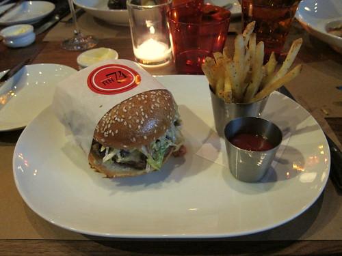 RN74 Burger