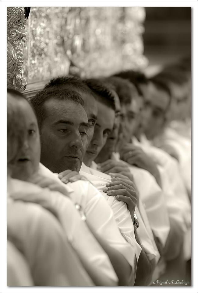 Portadores de la Virgen del Carmen