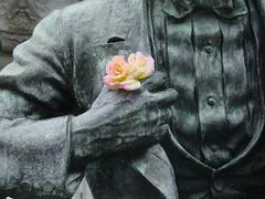 rose (glennbphoto) Tags: sanfrancisco statue cityhall guesswheresf abrahamlincoln foundinsf sooc