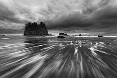 Elements (Thorsten - www.thorstenscheuermann.com) Tags: ocean morning sky bw usa beach water clouds washington surf pacific streak dramatic wave shore olympicnationalpark secondbeach lapush seastacks