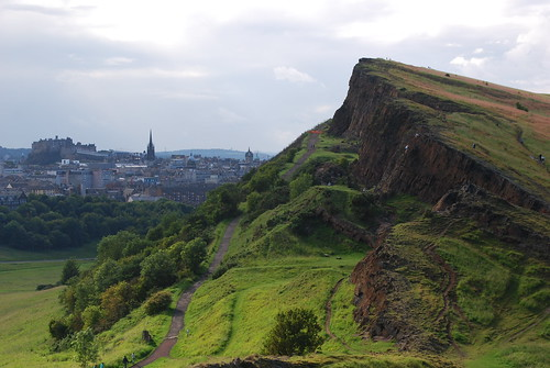 Salisbury Craigs and the City of Edinburgh