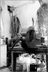 L'Atelier de la Ferme Picarde / The Picard Farm Workshop (Digit AL-Ex) Tags: bw farm nb workshop taller ferme atelier alquería digitalex