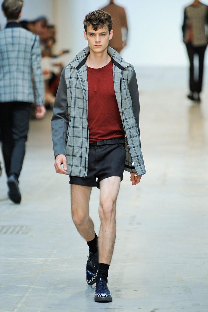 Douglas Neitzke3310_SS12 Milan Costume National Homme(VOGUEcom)