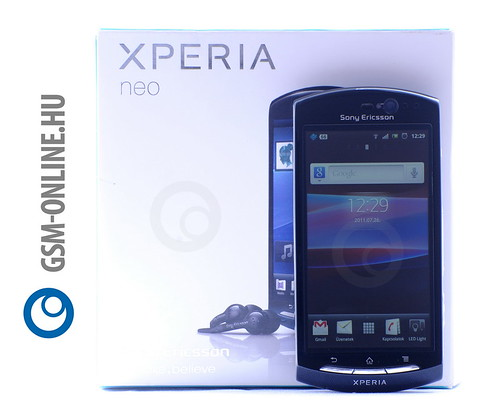 Sony Ericsson Xperia Neo dobozzal