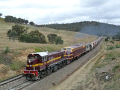 chasing 2M24N ballast, near the top (sth475) Tags: railway railroad train old classic preserved heritage diesel loco locomotive freight maintenance work ballast pushpull 47class goninan hitachi nswr lvr 4716 42class clyde gm emd a16c 4204 cullerin range bank mainsouth southerntablelands nsw australia overcast autumn coveredwagon cabunit streamliner bulldog