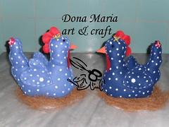 Galinhas peso de porta (Dona Maria art & craft) Tags: feitomo feltro galinhas pesodeporta paracozinha