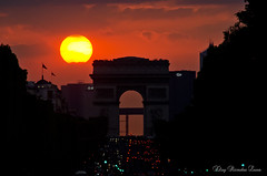 Yesterday i saw the sun. (Eloy RICARDEZ LUNA) Tags: sunset red sun paris france sol monument rouge soleil photo twilight rojo rivedroite place cloudy lumire arc sunny nublado capitale crepusculo arcdetriomphe rues couleur crepuscule goldenhour coucherdesoleil placedelaconcorde arche obelisque puestadelsol champslyses soleado nuageux voies avenuedeschampslyses ensoleill archedeladfense 8eme paysageurbain 8emearrondissement horadorada arcdetriomphedeltoile heuredore coucherdujour commmoratifhonorifiqueoudcoratif 1a7862c2b31742f2afffbc2b29a7e8c8