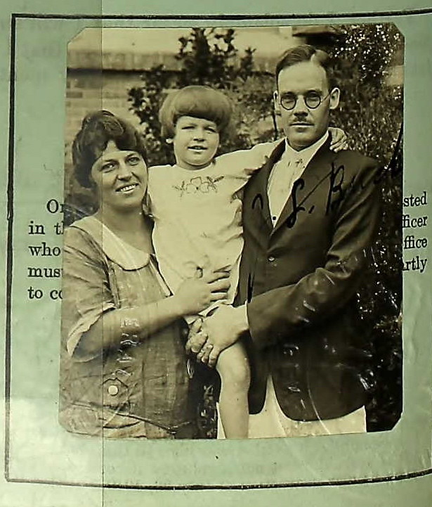 Pearl Buck and family 1924