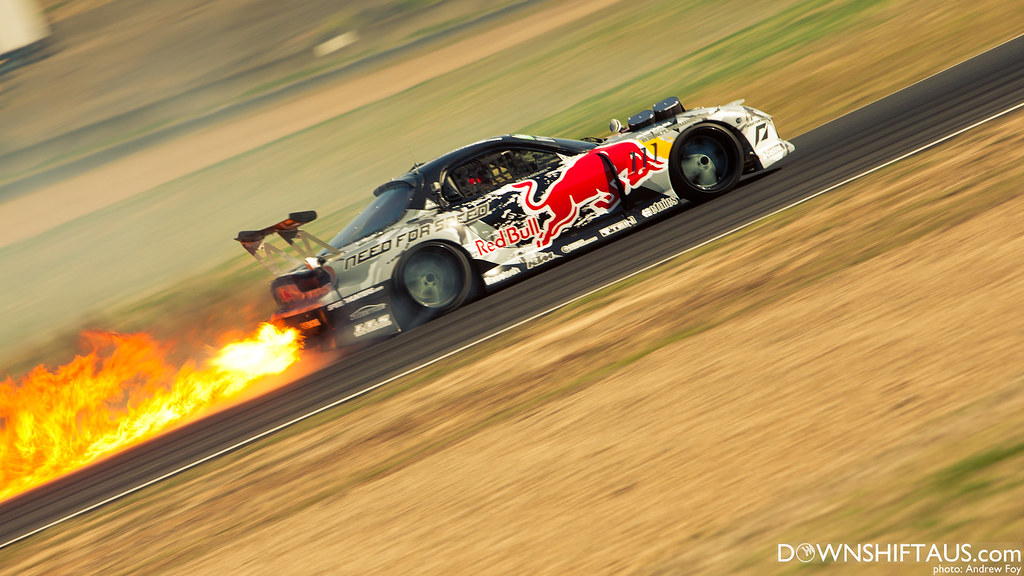 Mad Mike RX7 throwing flames!