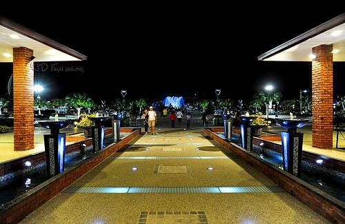 perdana park entrance800a