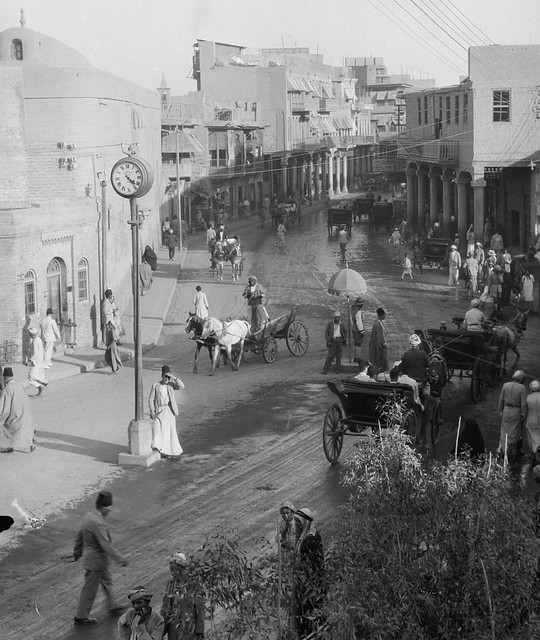 Iraq, Baghdad - a street near the Maude Bridge. - circa early 1930's