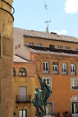plaza in segovia, spain