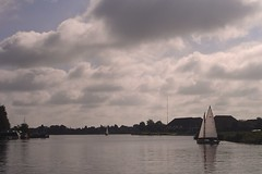 Going with the wind (Harm Weitering) Tags: sky clouds zeilen sailing wolken lucht earnewald