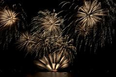 Whities (Rantz) Tags: fireworks australia darwin crackers firecrackers northernterritory mindilbeach d90 rantz territoryday crackernight afsdxvrzoomnikkor18105mmf3556ged padmmxi pad2011 plurkpad2011 psad2011 plurkpsad2011 psadmmxi crackernight2011