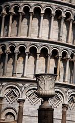 Italy - Pisa: Confusing Lines (Nomadic Vision Photography) Tags: pisa leaningtowerofpisa travelphotography tuscanny italianarchitecture jonreid tinareid httpnomadicvisioncom tuscanattractions