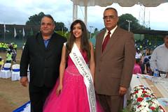 El presidente de UDEVA, la Reina de los XXXII Juegos Barranquiteños y el presidente del Comité Organizador, foto Rafael Pujols.