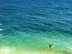 FARE NIENTE (André Pipa) Tags: ocean family blue sea vacation mer holiday green kids freedom vacances mar férias liberté 100faves libertá fareniente andrépipa summer2011 photobyandrépipa faremolto