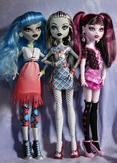 monster high (Laila X) Tags: fashion monster high doll dolls frankie clothes pack stein mattel sdcc dotd yelps ghoulia dawnofthedance draculaura dayatthemaul