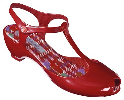 rainy-season-tips,Ipanema-Philippines,Grendha,Grendha jelly,rain shoes,Grendha-Jelly Friends Fem_red