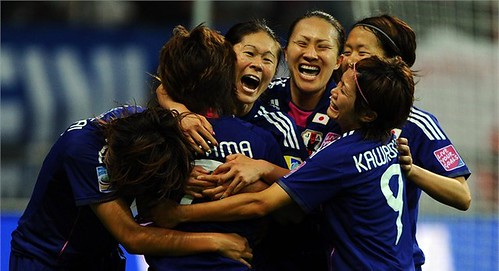 """今日を""""なでしこ記念日""""としよう。なでしこジャパン、米を下し初優勝 PK戦を3-1で制し初優勝を飾った。 - 2011/07/18"""