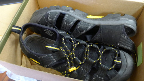 Keen Commuter Sandals NEW $40
