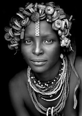 Daasanach tribe girl - Omorate Ethiopia (Eric Lafforgue) Tags: woman cute girl beauty art