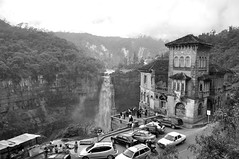 Hotel del Salto B&W (CAUT) Tags: tourism southamerica waterfall nikon colombia july julio turismo kolumbien cascada cundinamarca 2011 d90 américadelsur caut 20dejulio saltodeltequendama nikond90 ríobogotá hoteldelsalto