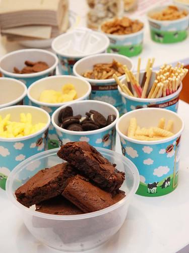 Ice-cream condiments