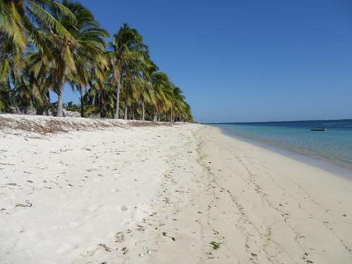 nemberala beach putih