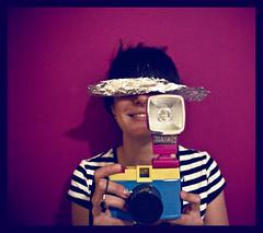 clickeador clickado (Thais.sr) Tags: barcelona camera pink portrait woman girl lady digital pared graphicdesign lomography photographer retrato flash magenta diana click camara fotógrafo artdirection gallega analogic cámara lomografia direccióndearte thaissr