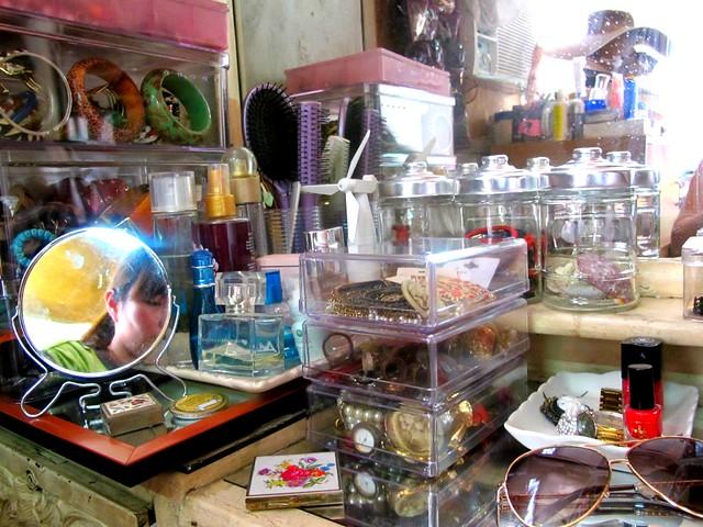 Organizing Vanity Dresser (50)