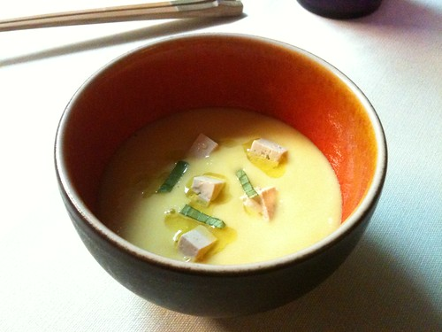Yam'Tcha: Soupe de maïs glacée, tofu fumé
