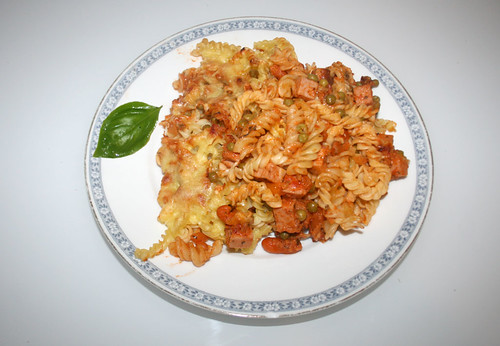 33 - Leberkäse-Nudelauflauf / Meat loaf noodle casserole - Serviert