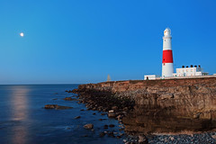 Portland Bill Lighthouse (Phil Bloxham) Tags: lighthouse sunrise canon dawn dorset weymouth portlandbill philbloxham