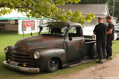 Air ride Chevy pick up (zombikombi1959) Tags: show original chevrolet truck paint pickup event hotrod rockabilly hayride shindig patina customs bisley airride hotrodhayride