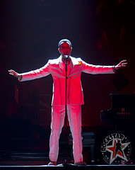 John Legend - The Palace of Auburn Hills - Auburn Hills, MI - August 3, 2011 (6)