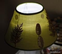 Manualidades con hojas secas_ decorar pantalla de lámpara