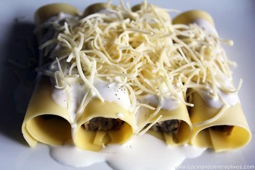 Pastel de hongos en canelón de queso gratinado (15)