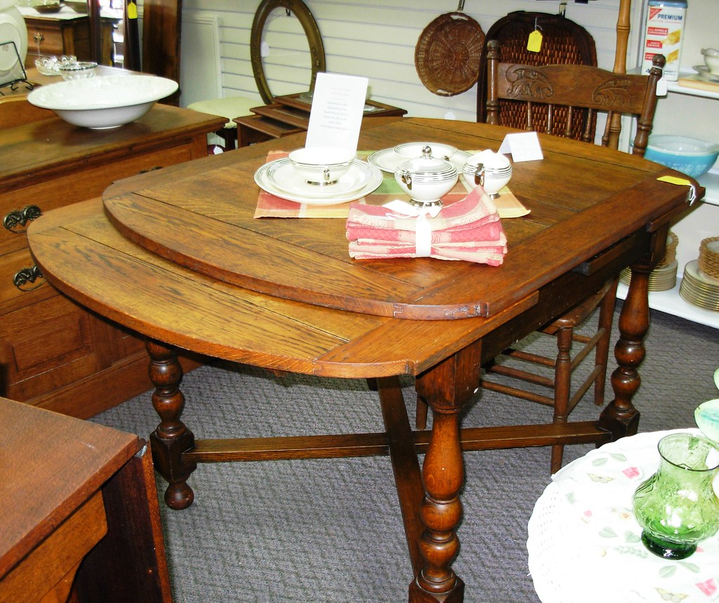 .English Oak Pub Table