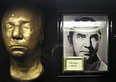 Bela Lugosi (Vinny Gragg) Tags: movie theatre vampire dracula hollywood horror hollywoodblvd horrormovie bela vampires hollywoodwalkoffame belalugosi lugosi countdracula hollywoodblvdtheatre hollywoodblvdmovietheatrehollywoodhollywoodwalkoffame