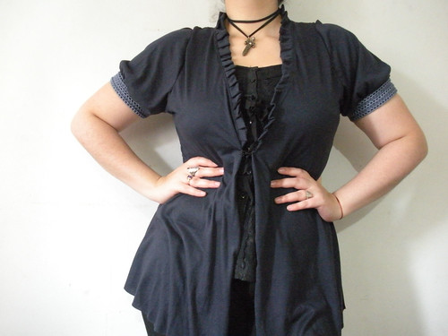 Jersey Shrug with pleats and puffy sleeves