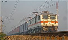Howrah Rajdhani!! (Raj Kumar (The Rail Enthusiast)) Tags: india industry express kashmir kolkata raj ganga puri bhel kumar bihar howrah jharkhand patna bhubaneshwar 22314 dhanbad sealdah jhansi rajdhaniexpress orrisa 22722 22750 24517 30279 ndls bhaga damodar wap4 wag7 wap7 neelanchal patherdih jammutavi