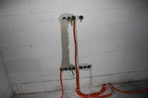 TV-Installation vor dem Veputzen