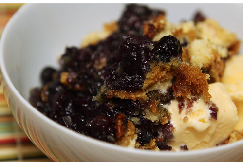 blueberry crisp close up bowl