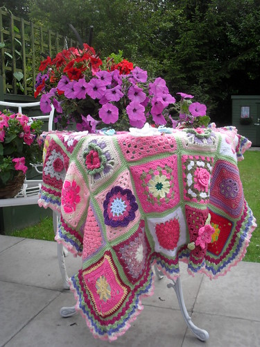 I'm just loving the colours in this Blanket.