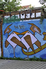 "Berlin ""From here to fame"" (Monsieur Cana) Tags: berlin bird birds stone graffiti geometry letters symmetry arabic arab elseed berlingraffiti zebster fromheretofame arabicgraffiti monsieurcana fromheretofamepublishing arabicgraffitibook"