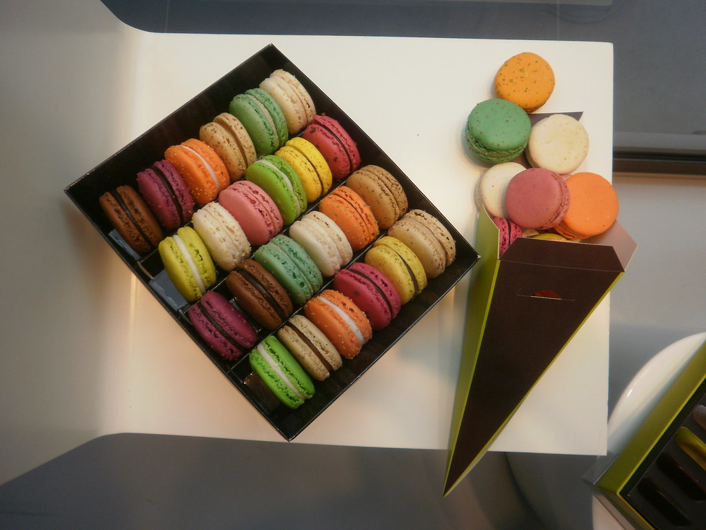 PARIS the great macaroon wars of 2011~the winner? CHRISTOPHE ROUSSEL
