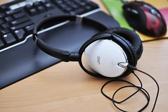 New toy (amesis) Tags: white 35mm headphone jvc d90 overtheear has600